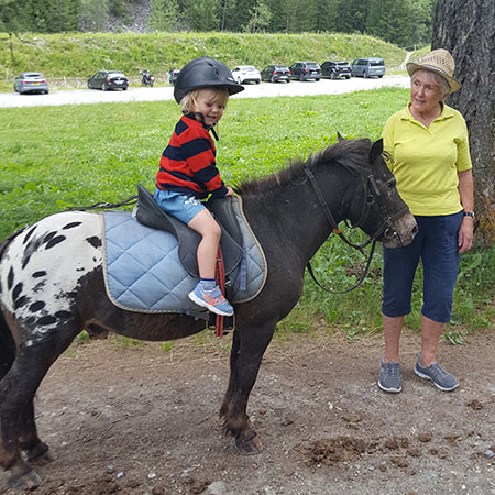 Horse riding in the summer in Peisey-Vallandry
