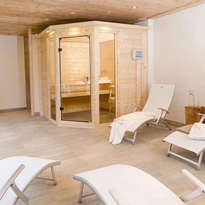 Chalet Peisey with hot tub and spa