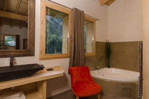 Catered chalet with ensuite bathroom